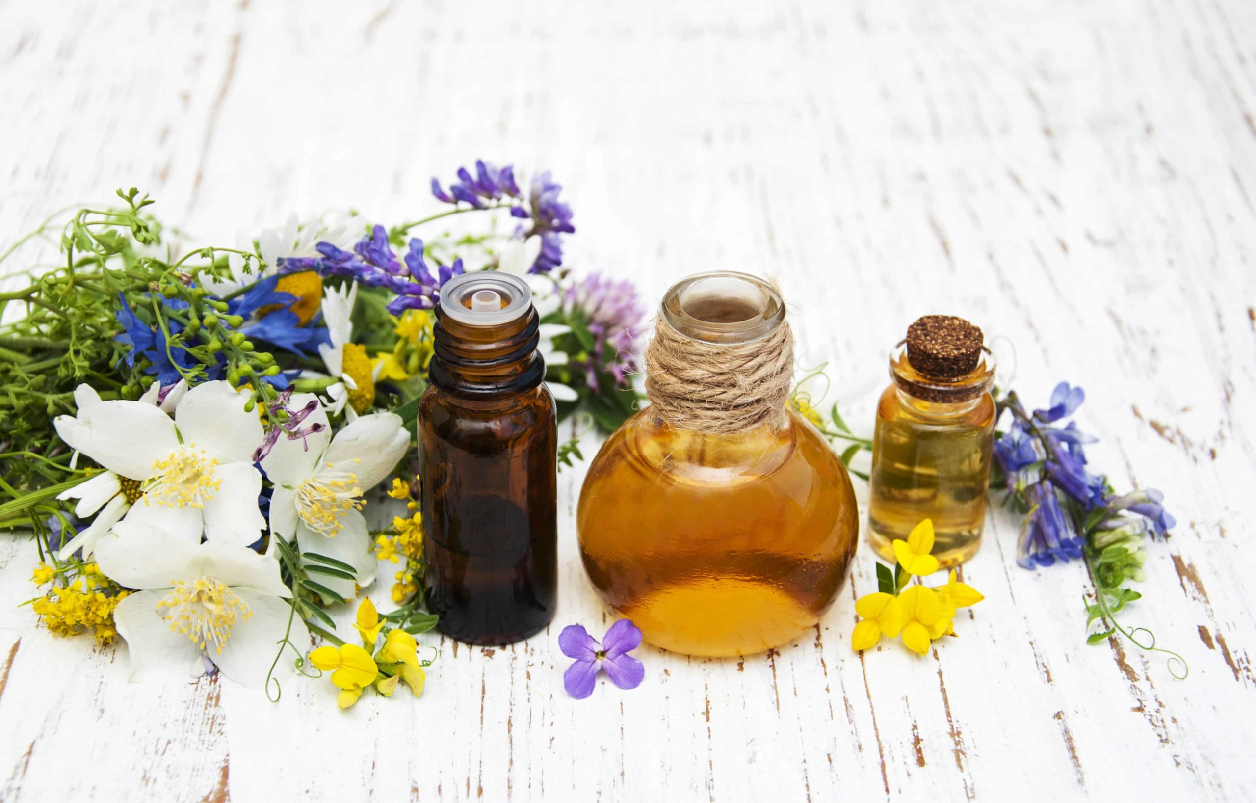 Votre tête est-elle complètement cassante avec le reste de votre visage? Essayez les huiles essentielles pour les maux de tête sinusaux! |