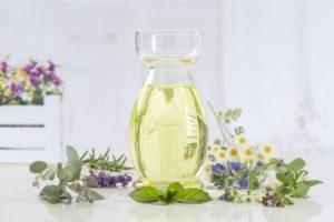 Meilleures huiles essentielles pour le soulagement de la migraine pour les adultes et les enfants