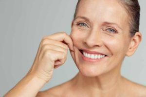 Routine de soin adaptée aux peaux matures