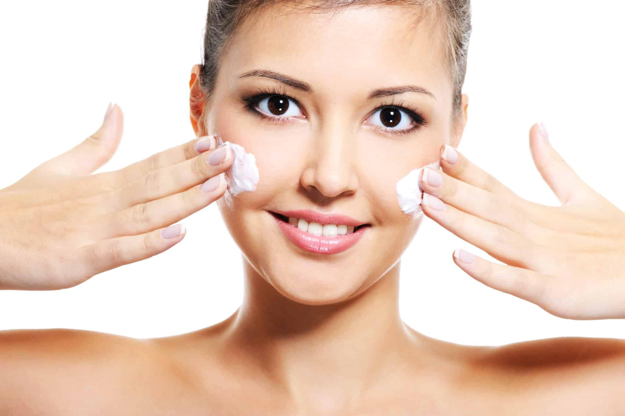 Avez-vous 20 Going sur 30 Skin? Essayez ce régime de soins de la peau!