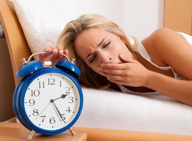 Meilleures huiles essentielles et recettes pour la privation de sommeil