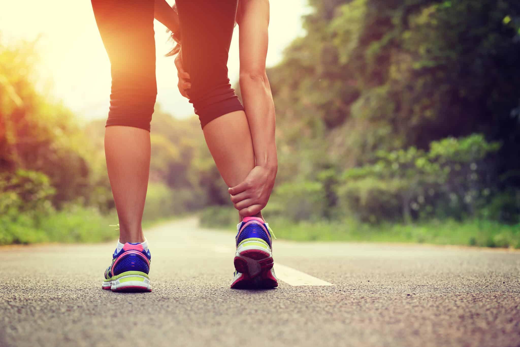 Huiles essentielles pour les crampes: lorsque les spasmes prolongés vous arrêtent mort dans vos traces |